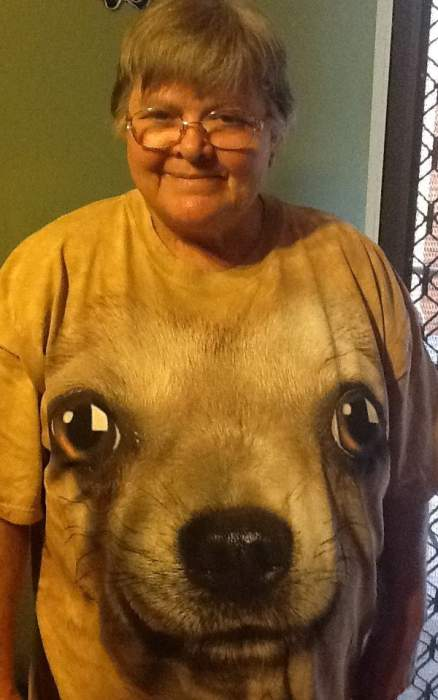 Rita in a special Chihuahua t-shirt!